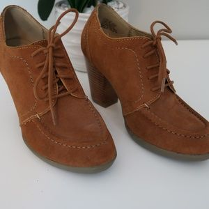 Kenneth Cole Reaction Suede size 6